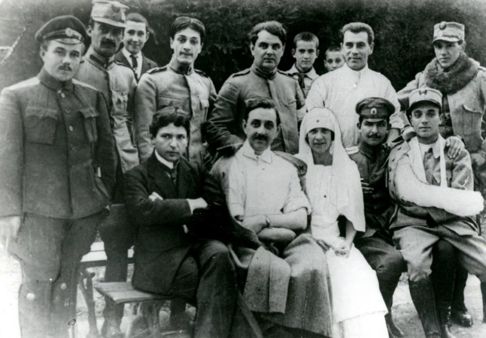 George Enescu în mijlocul răniților