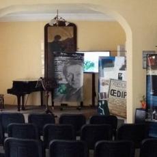 """Imagini de la evenimentul """"Oedipe pe înțelesul tuturor"""" din 4 mai 2017 de la Dorohoi"""