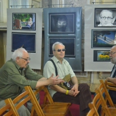 "Imagini de la vernisajul expoziției ""Tescani - Magia Luminii"""
