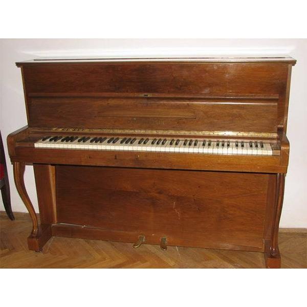 "Pianina marca ""C. BECHSTEIN"""