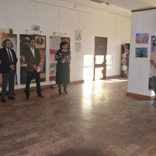 """Imagini de la vernisajul expoziției In memoriam """"Constantin Silvestri"""" de la Reșița din 16 mai 2018"""
