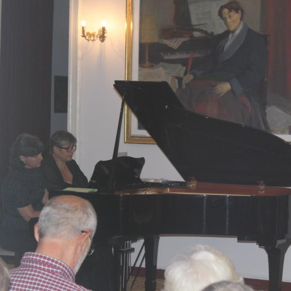 """Festival ENESCU ORFEU MOLDAV. Recital de pian la patru maini DUO """"CAPRICIO"""" și actrița SUZANA MACOVEI, 1 septembrie 2018, Tescani"""