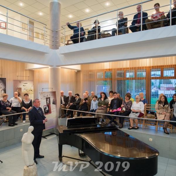 """Imagini de la evenimentul """"Enescu pe înțelesul tuturor"""" de la Bârlad din 18 mai 2019"""