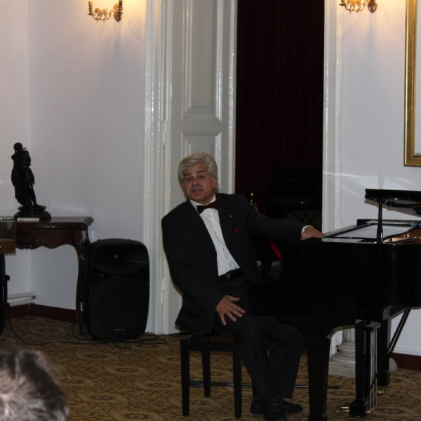 Imagini de la recitalul de pian susținut de Valerio Premuroso la Tescani în 6 august 2019