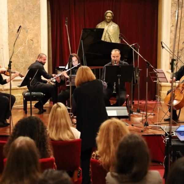 Imagini de la concertul cu ansamblul devotioModerna, din cadrul SIMN - luni, 21 iunie 2021, ora 19, Aula Palatului Cantacuzino.